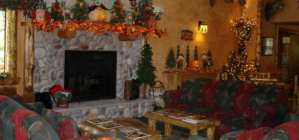 The Grand Lobby in Fall at Meadowbrook Resort & DellsPackages.com in Wisconsin Dells